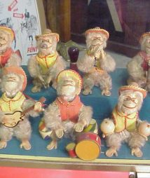 musical bimbo box monkey band