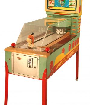 TEN STRIKE Manikin Bowler Arcade Game by Benchmark 2003