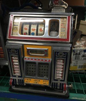 Watling Front Vendor Twin Jackpot Golden Award Slot Machine
