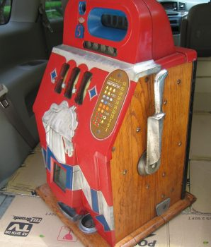 1930's Mills Novelty Horse Head Bonus Slot Machine