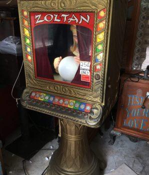 Zoltan Fortune Teller Machine Arcade Gameroom Show